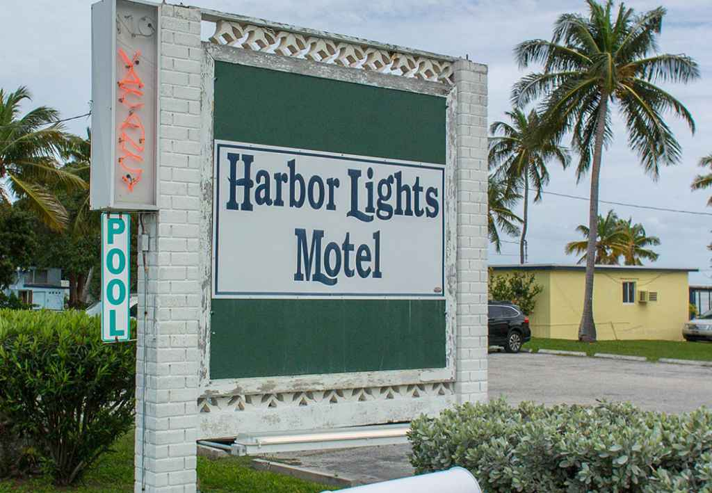 Harbor Lights Motel